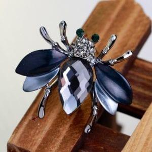 Cute Fashion Big Crystal Bee Animal Shiny Rhinestone Brooch Pins for Women Sweater Accessories Jewelry