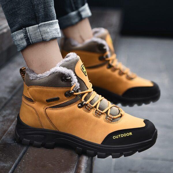 New Plus Velvet Men s Boots Winter Snow Boots Waterproof Fashion Comfortable Footwear Bottes Pour Hommes 9